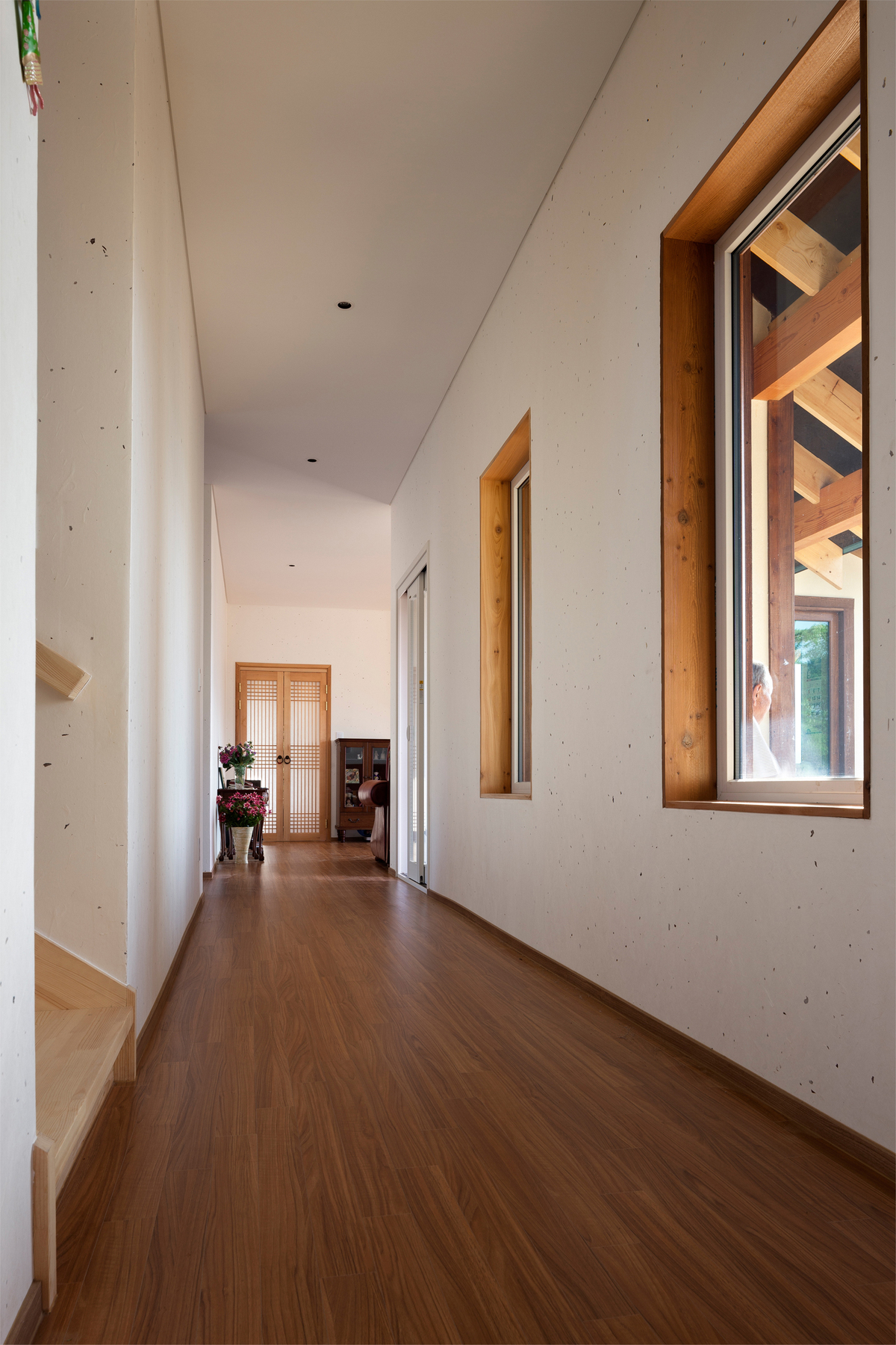House in Geochang, South Korea by Hyungnam Lim, Eunjoo Roh + studio_GAON (interior)