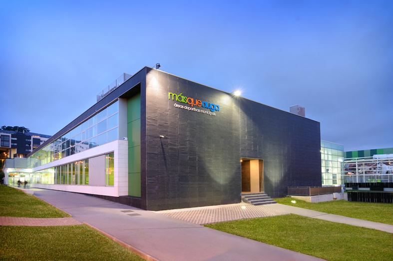 Sport complex and swimming center in barreiro vigo spain - Estudios de arquitectura vigo ...