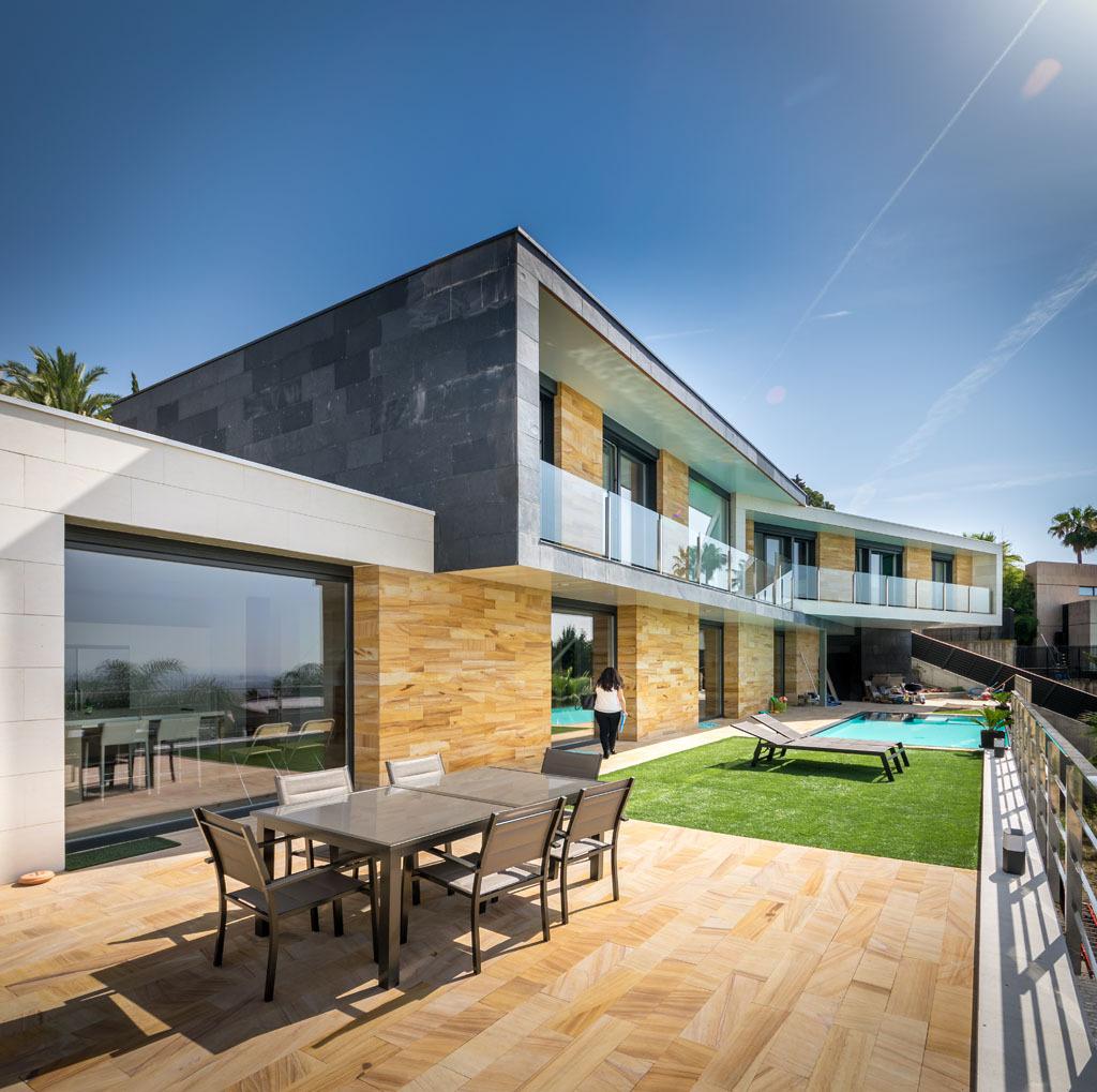 Exterior view - E House