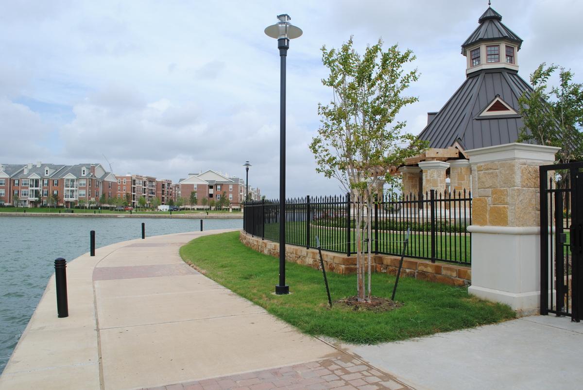 Lake Edge Trail and Fence Design