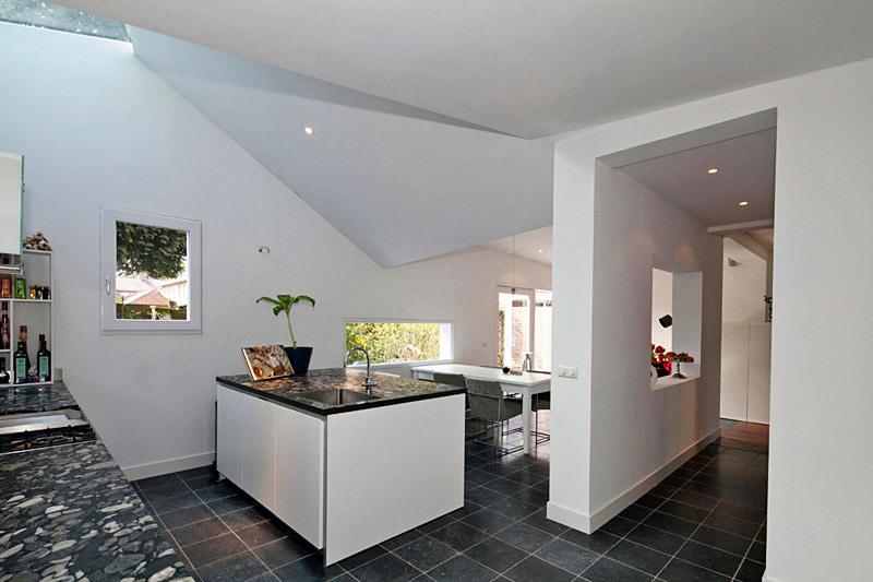 Interior, kitchen (Photo: Ossip van Duivenbode)