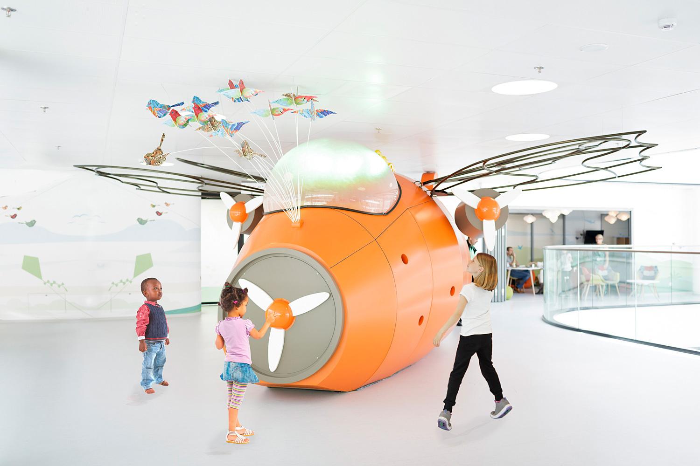 This sbid award winning children 39 s hospital eases those for Award winning design