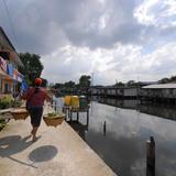 Bang Bua Canal Community Upgrading: AFTER: Designers: community members of the Bang Bua Canal Network, with Prayong Posriprasert, Nattawut Usavagovitwong, and Sakkarin Sapu, Sripatum University. Bang Bua, Bangkok, Thailand, 2004-present. Photo: © ACHR