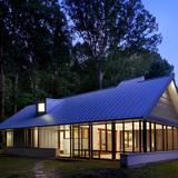 Honor Award: Harbert Cottage (Harbert, MI). Photo by Tony Soluri