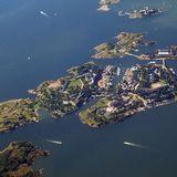 Suomenlinna via WikiMedia Commons