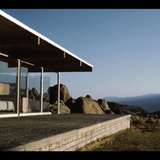 Richard Neutra's Oyler House in the 1960s. The structure is showcased in