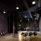 This large soundstage in Pratt Institute's Film/Video Department Building can be divided into two smaller ones to accommodate the needs of the students and faculty. Photo credit: Alexander Severin RAZUMMEDIA