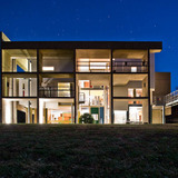 Jose Oubrerie's Miller House (night) © Samuel Ludwig