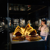 Treasure room in the Gold of the Westcoast exhibition. Photo: Mike Bink.