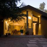 La Canada Residence in La Cañada Flintridge, CA by (fer) studio, LLP