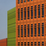 Central St. Giles in London, GB by Renzo Piano (Building Workshop); TERRART(r) Facades: NBK (a Hunter Douglas Company)