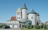 The fantasy castles of Belarus' nouveau riche