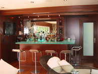Boat House Bar