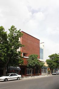 Design of Facade for a Commercial Building