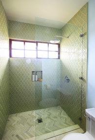 Agoura Guest Bath