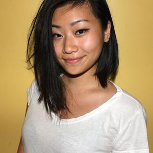 Lois Han