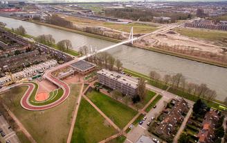 The Dafne Schippers Bridge in Utrecht doubles as a school and a garden