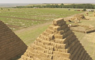 This Russian farmer built a stadium out of straw to satirize the new Zenit Arena in Saint Petersburg