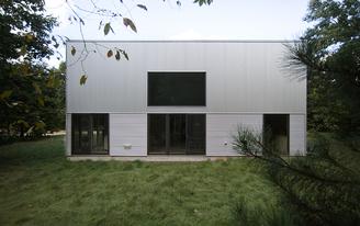Laketown Residence