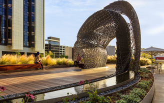 "Ball-Nogues Studio revives public space at Cedars Sinai hospital with their ""Healing Pavilion"""