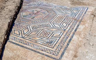 """Archaeologists uncover """"Little Pompeii,"""" ancient Roman settlement in France"""