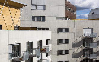 Urban planning and housing in Bordeaux (France)