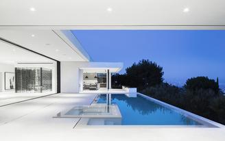 Mirrorhouse