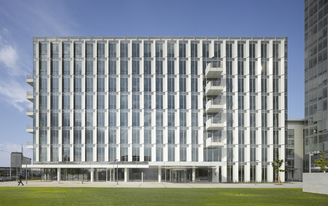 Richard Meier & Partners Completes City Green Court in Prague