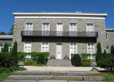 Bartow Pell Mansion