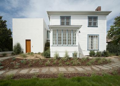Brecht Residence