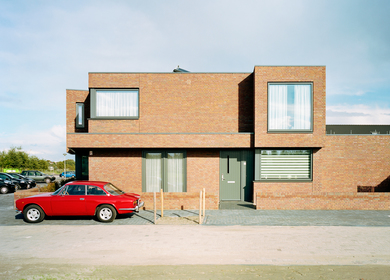 Dutch social housing by Sputnik