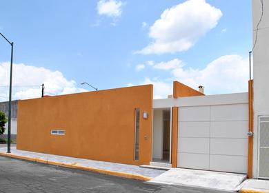 • Casa Los Patios (Courtyards House)