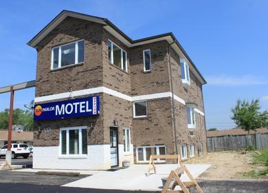 Sun Parlour Motel & Custom Home