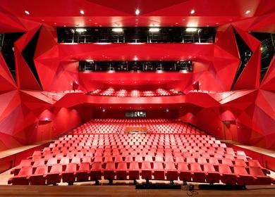 Theatre Agora, 2002