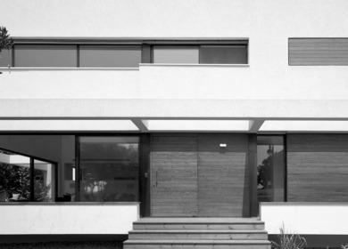 G HOUSE | Contemporary Mediterranean Villa