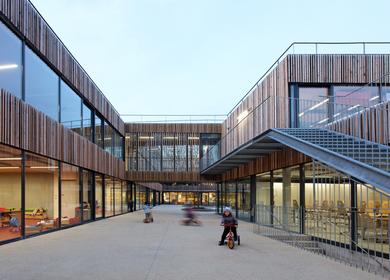 School center Lucie Aubrac