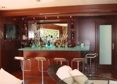 Boat House Bar