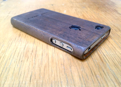 Bent Plywood Iphone Case