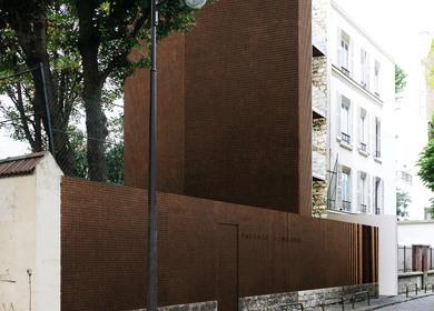 FOUR BEDROOMS BUILDING IN PARIS