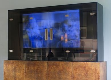 LUCITE TV VITRINE