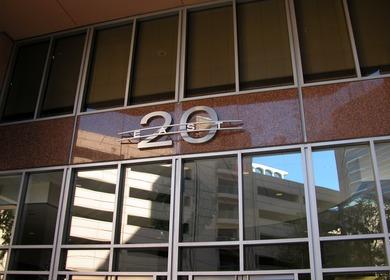 20 E Thomas - Entry Address