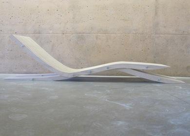 Folding Plate Chaise Lounge