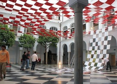 PATIO SOBRE PATIO Instalación de arquitectura efímera en la sede del CICUS (Centro de Iniciativas Culturales de la Universidad de Sevilla)