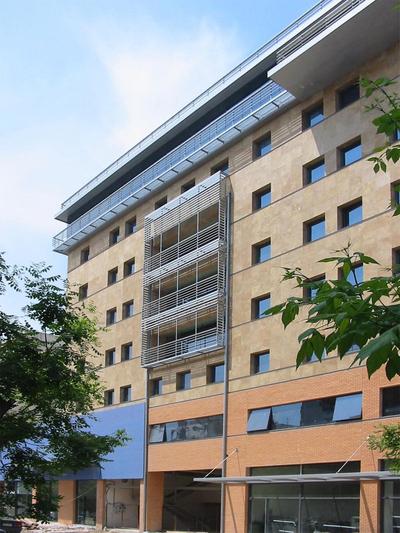 Ipirotiki Office Building