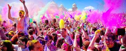 www.festivalofcolorsusa.com