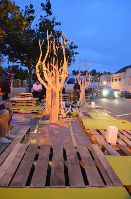 POP-UP Pallet Demonstration Parklet Collaboration with Urban Art Show (WAREHOUSE 1425) - MAY 2013