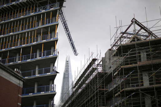 Construction at a residential development in London (Bloomberg; Photo: Matthew Lloyd/Bloomberg)