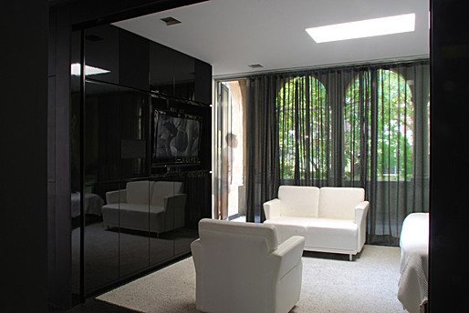 Black Suite, New York, NY; residential interior; Igor Siddiqui / isssstudio