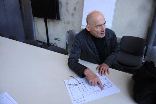 Photo: Charlie Koolhaas; Image via spiegel.de