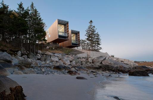 Two Hulls House by MacKay-Lyons Sweetapple Architects. Photo credit: Greg Richardson, MacKay-Lyons Sweetapple Architects